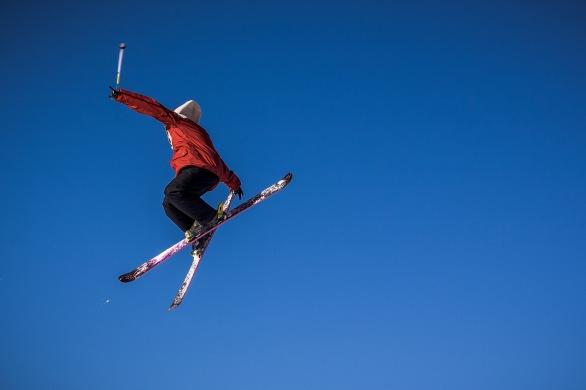 Skier Grabbing